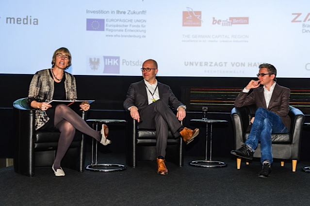 Kate runs the panel on second screen at Changing the Picture in Berlin November 2014